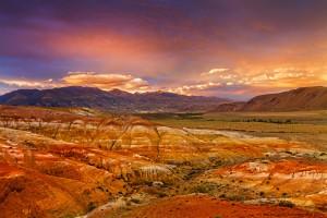 Марсианские горы у ручья Кызыл-Чин
