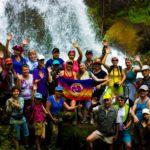 На фоне водопада нижний Карасу